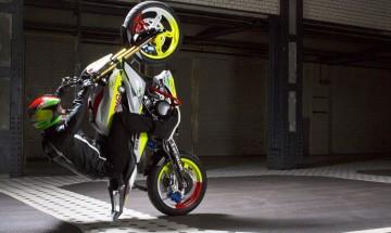 BMW-Concept-Stunt-G-310-Chr